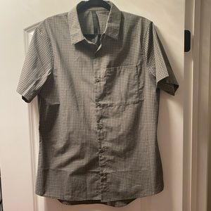 Lululemon Men's button up shirt